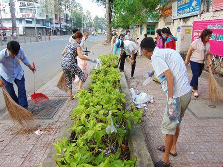 Virus Zika tang moi ngay, TP.HCM rot rao phun hoa chat diet muoi - Anh 1