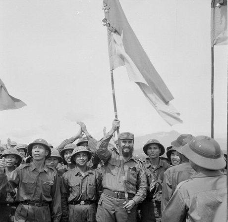 Chuyen tham Quang Tri cua Chu tich Fidel Castro - Anh 1