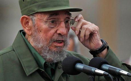 Bai hung bien truoc toa bien Fidel Castro thanh nguoi hung Cuba - Anh 1