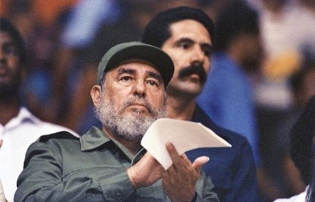 Lanh dao the gioi gui loi chia buon voi dat nuoc va nhan dan Cuba - Anh 1