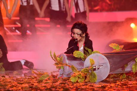 Hoai Linh cuoi ngat khi thay tro Vu Ha hoa thanh Siu Black - Anh 16