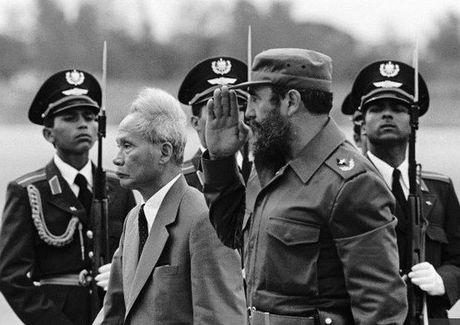 Fidel Castro: Vi VN, Cuba san sang hien dang ca mau minh - Anh 6