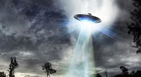 Cham tran UFO gay hung phan tinh duc? - Anh 1