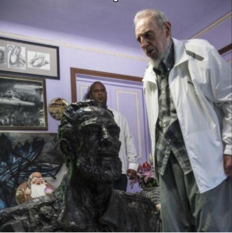 Nhung nam cuoi doi Lanh tu Fidel Castro duoi goc nhin cua con trai - Anh 2