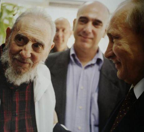 Nhung nam cuoi doi Lanh tu Fidel Castro duoi goc nhin cua con trai - Anh 8