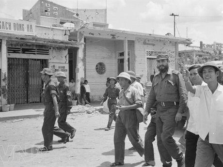 LUON NHO: Tinh cam cao quy vo ngan ma lanh tu Fidel Castro va Cuba da danh cho Viet nam - Anh 2