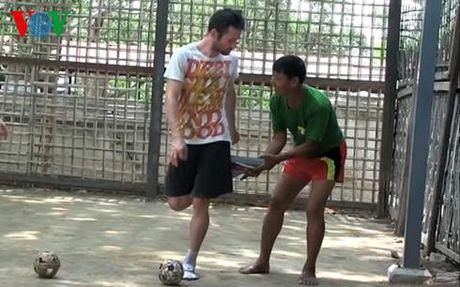 Chinlone - 'Bong da duong pho' cua nguoi Myanmar - Anh 2