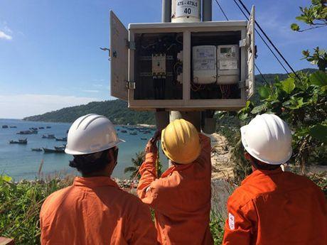 Van hanh thanh cong duong dien 110 kV vuot bien dai nhat Viet Nam - Anh 2