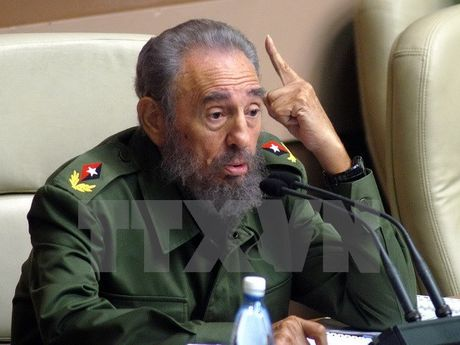 Lanh dao tren the gioi tiep tuc gui loi chia buon den Cuba - Anh 1