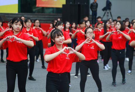 Viet Nam huong toi ket thuc dich HIV/AIDS vao nam 2030 - Anh 2