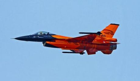 Top 10 tiem kich tot nhat: F-22 mat ngoi vuong - Anh 1