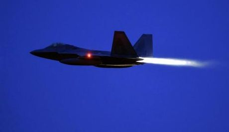 Top 10 tiem kich tot nhat: F-22 mat ngoi vuong - Anh 9