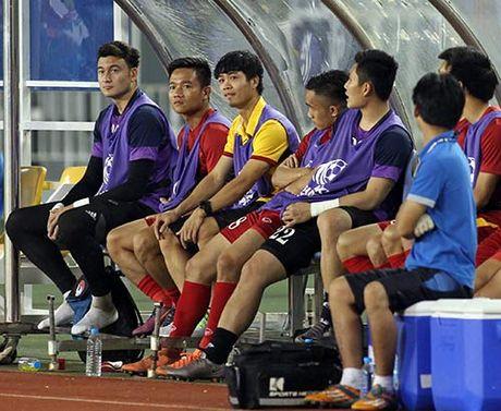 DIEM TIN SANG (27.11): Cong Phuong la ngoi sao den dui nhat AFF Cup 2016 - Anh 1