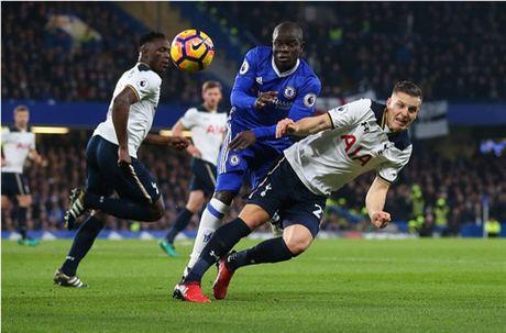 Nguoc dong truoc Tottenham, Chelsea doi lai ngoi dau tu Liverpool - Anh 2