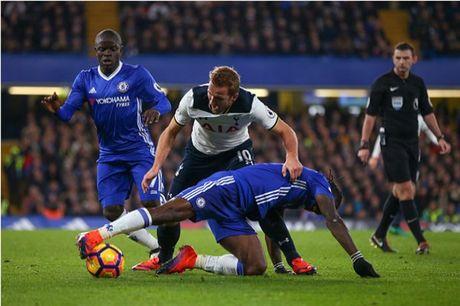 Nguoc dong truoc Tottenham, Chelsea doi lai ngoi dau tu Liverpool - Anh 4