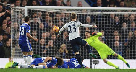 Nguoc dong truoc Tottenham, Chelsea doi lai ngoi dau tu Liverpool - Anh 5