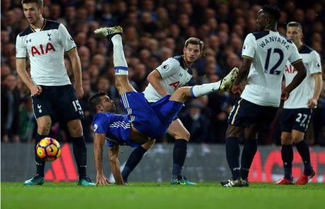 Nguoc dong truoc Tottenham, Chelsea doi lai ngoi dau tu Liverpool - Anh 8