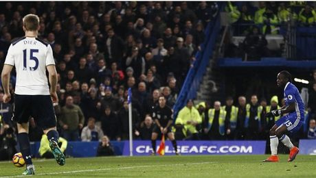 Nguoc dong truoc Tottenham, Chelsea doi lai ngoi dau tu Liverpool - Anh 9