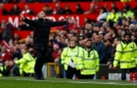 Tong hop chuyen nhuong ngay 27/11: PSG hoi mua sao Liverpool, Barca muon co tien ve Madrid - Anh 4