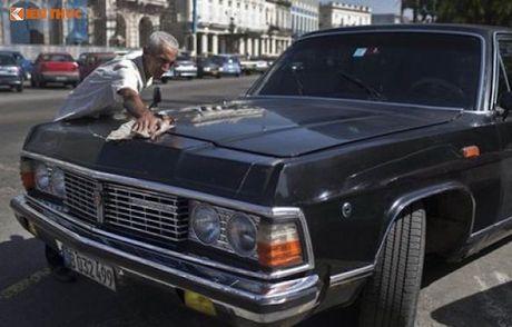Limousine cua ong Fidel Castro 'tai sinh' thanh taxi tai Cuba - Anh 8