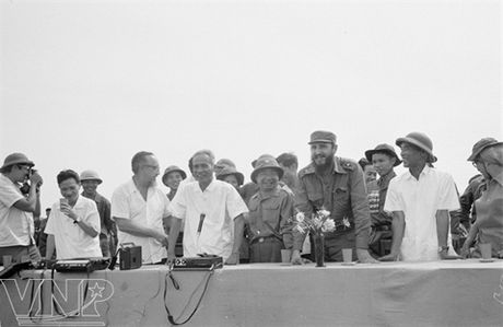 Chuyen ve chuyen tham vi tuyen 17 cua lanh tu Fidel Castro - Anh 3