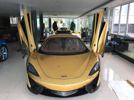 Sieu xe McLaren 570S chat vat vao showroom Sai Gon - Anh 2
