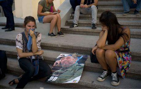 Hang trieu nguoi dan Cuba khoc thuong lanh tu Fidel Castro - Anh 10