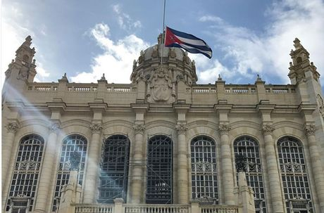 Hang trieu nguoi dan Cuba khoc thuong lanh tu Fidel Castro - Anh 5
