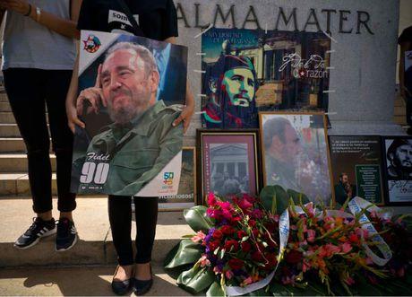 Hang trieu nguoi dan Cuba khoc thuong lanh tu Fidel Castro - Anh 9
