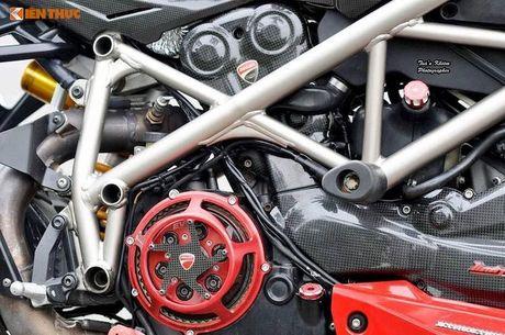 Biker Sai Gon len 'full do hieu' cho Ducati Streetfighter S - Anh 6