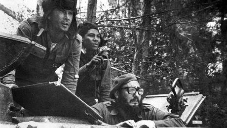 Anh hiem lanh tu Fidel Castro chien dau trong tran Vinh Con Lon - Anh 1
