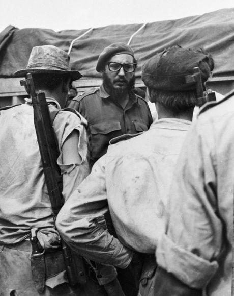 Anh hiem lanh tu Fidel Castro chien dau trong tran Vinh Con Lon - Anh 6