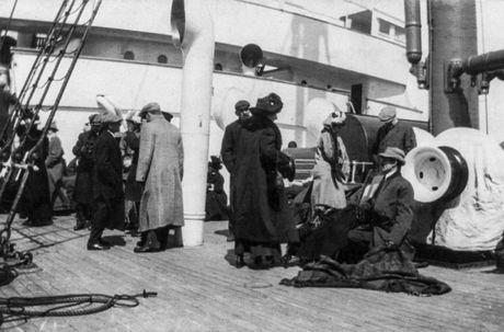 10 hinh anh quy hiem ve su kien tau Titanic chim - Anh 9