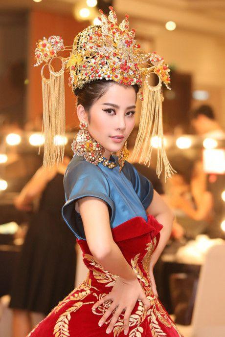 Nam Em hoa 'Hoang hau' quyen uy, lanh lung - Anh 1