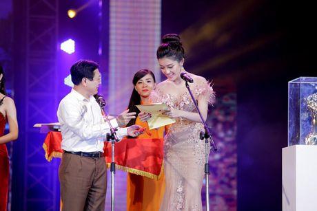 Vinh danh giai thuong Qua chuong vang 2016 - Anh 14
