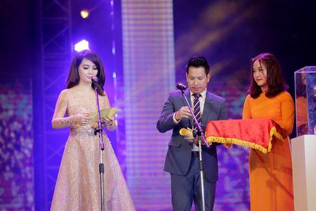 Vinh danh giai thuong Qua chuong vang 2016 - Anh 1