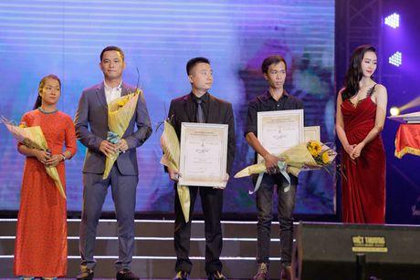 Vinh danh giai thuong Qua chuong vang 2016 - Anh 2