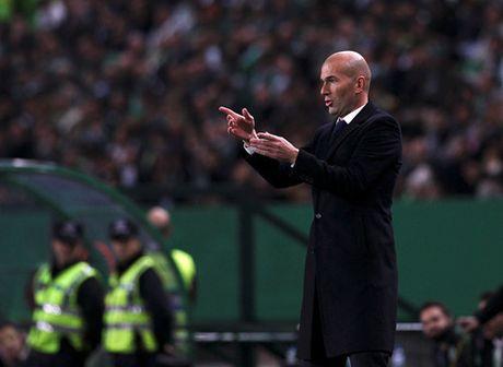 Ronaldo lap cu dup, Real Madrid co 3 diem day may man truoc Sporting Gijon - Anh 2