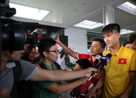 CDV TP.HCM nong nhiet chao don doi tuyen Viet Nam tro ve - Anh 10
