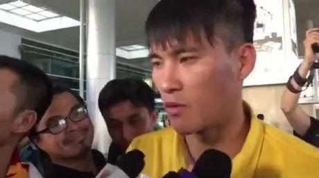 Cong Vinh va tuyen Viet Nam duoc chao don nong nhiet - Anh 6