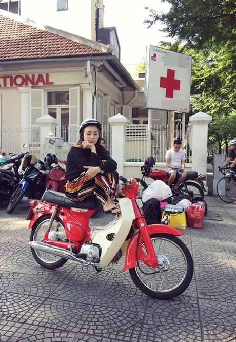 Sao Viet 27/11: Harry Lu khoa moi Midu, Tra Ngoc Hang di xe om e khach - Anh 5