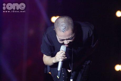 Phuong Thanh mang dau troc tia nghe thuat len san khau - Anh 4