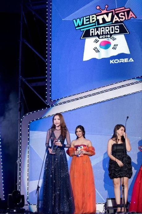 Chi Pu, Ly Hai, Son Tung M-TP lan luot 'am giai' tai WebTV Asia 2016 - Anh 4