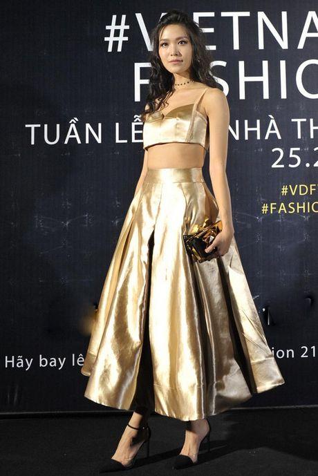 Pham Huong, Chi Pu, Huyen My lot top sao Viet mac dep tuan qua - Anh 8