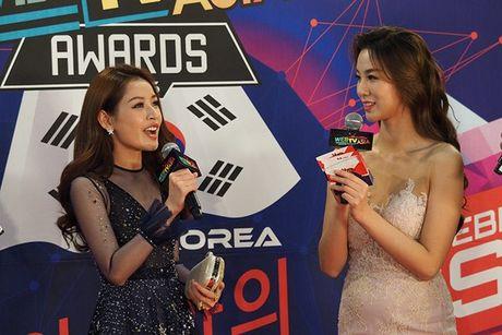 Chi Pu, Son Tung M-TP, Ly Hai duoc vinh danh tai WebTV Asia Awards 2016 - Anh 1