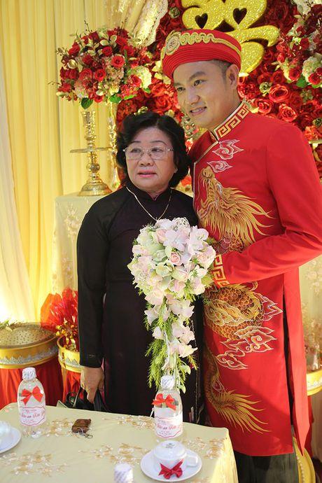 Ba me Hoai Linh cung Thien Bao xuong Tien Giang don dau - Anh 12