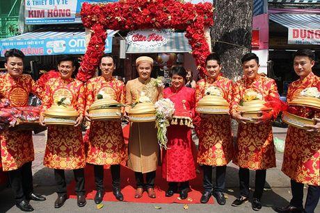 Ba me Hoai Linh cung Thien Bao xuong Tien Giang don dau - Anh 13