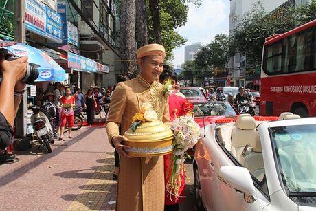 Ba me Hoai Linh cung Thien Bao xuong Tien Giang don dau - Anh 15