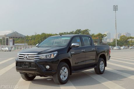 Can canh Toyota Hilux the he 2017 - Anh 1