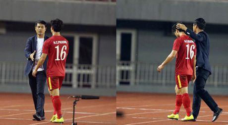 AFF Cup 2016: HLV Huu Thang noi gi khi thay Cong Phuong ra san? - Anh 1